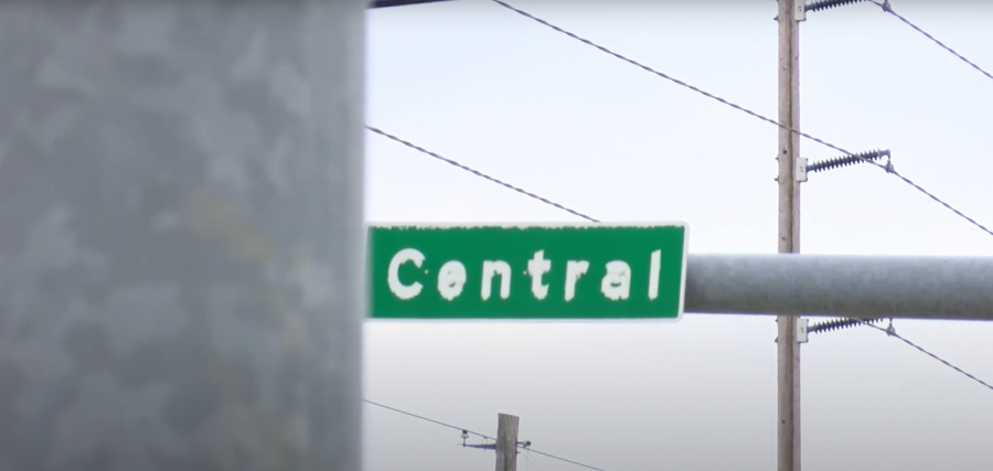 Street sign that reads central