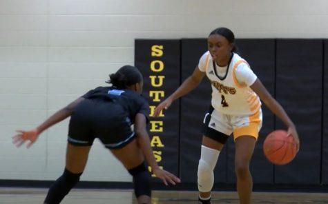 Girls Basketball Highlights: Southeast vs. East
